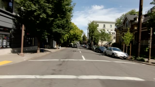 portland suburb xxi synced series left view driving process plate - portland oregon summer stock videos & royalty-free footage