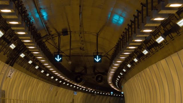 ws portmiami tunnel interior the portmiami tunnel opens for the first time on august 3 2014 in miami florida the tunnel that took three years to... - baia di biscayne video stock e b–roll
