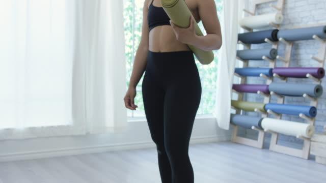 Retrato de un yogui hermoso