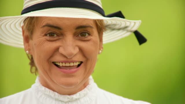 HD: Retrato de uma mulher de país