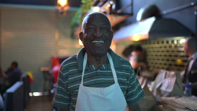 portrait of a happy senior waiter - 80 89 years stock videos & royalty-free footage