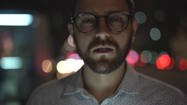 portrait of a man in the city at night - pardo brazilian stock videos & royalty-free footage