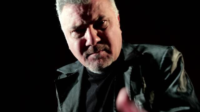 Porträt von einem gewalttätigen Mann