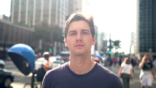 portrait of a young man at city - pardo brazilian stock videos & royalty-free footage