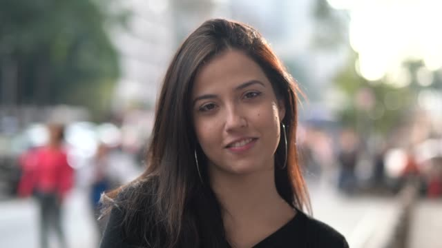 portrait of a young woman in the city - latin american and hispanic ethnicity stock videos & royalty-free footage