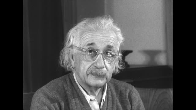 portrait of albert einstein prior to an address. - e=mc2 stock-videos und b-roll-filmmaterial