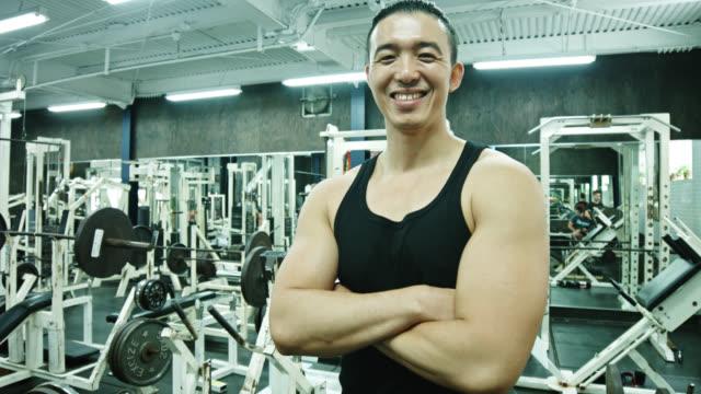 portrait of bodybuilder in gym - vest stock videos & royalty-free footage