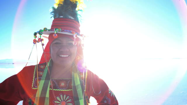portrait of bolivian woman in traditional national clothing - indian ethnicity点の映像素材/bロール