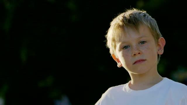 porträtt av pojke - 6 7 years bildbanksvideor och videomaterial från bakom kulisserna