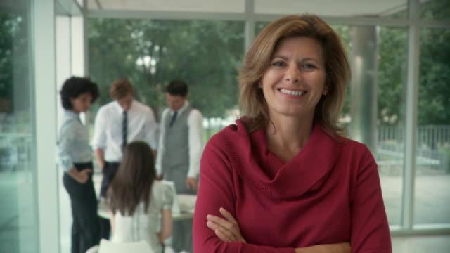 ms portrait of female senior executive / south orange, new jersey, usa - orange new jersey stock videos & royalty-free footage