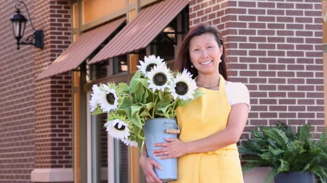 MS PAN Portrait of Florist in Front of Flower Shop / Richmond, Virginia, USA