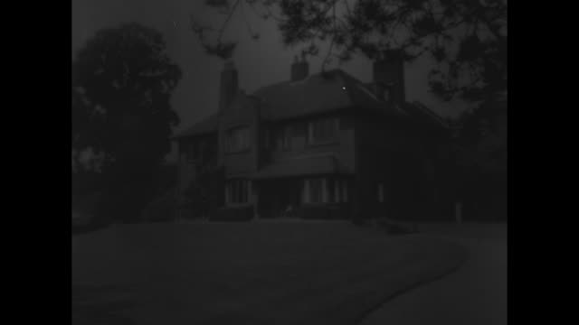 portrait of george bernard shaw and a bouquet of flowers / shaw's house / shaw walking outside with a cane / lady nancy astor greets him; close-up of... - scriptwriter stock videos & royalty-free footage