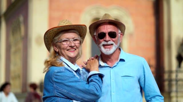 vídeos de stock e filmes b-roll de portrait of happy senior couple - cavanhaque