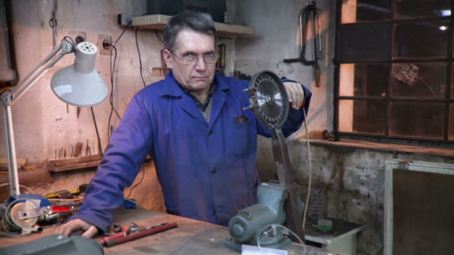 HD DOLLY: Portrait Of Innovative Toolmaker