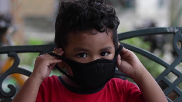 porträtt av muslimsk ung man - malaysia bildbanksvideor och videomaterial från bakom kulisserna