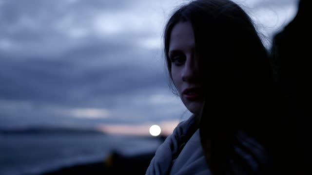 portrait of mysterious girl - gara sportiva individuale video stock e b–roll