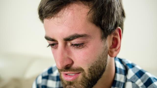 Portret van trieste man