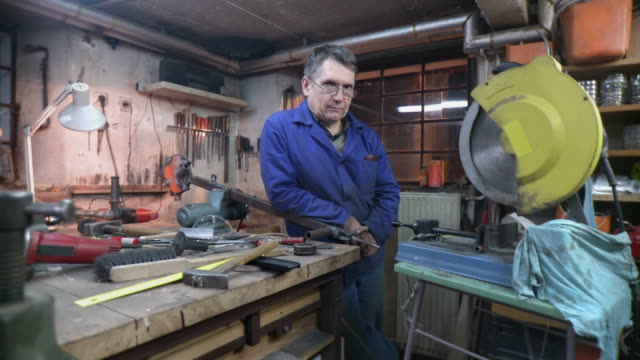 HD DOLLY: Portrait Of Toolmaker