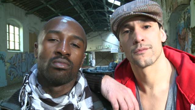 vídeos de stock e filmes b-roll de cu portrait of two men standing in warehouse, gent, belgium - break dance