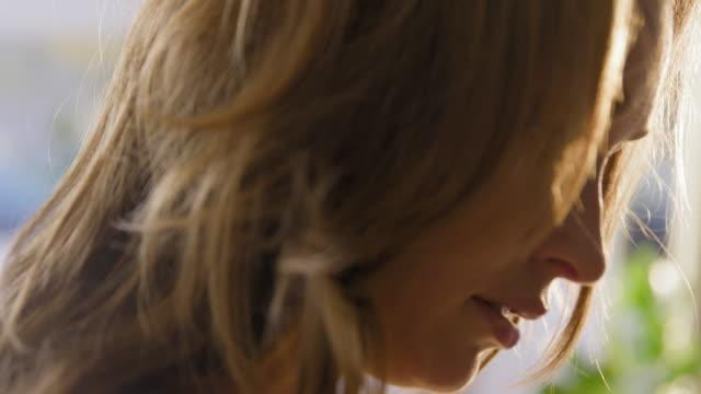portrait of woman - blick nach unten stock-videos und b-roll-filmmaterial