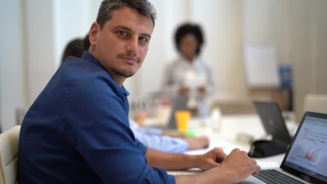 Portrait du travailleur à la réunion