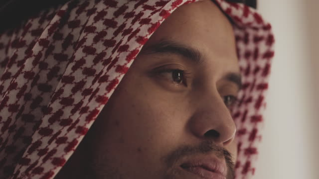portrait : saudi man - religious dress stock videos & royalty-free footage