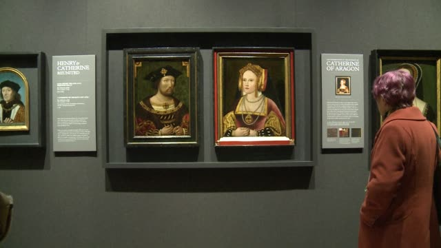 vídeos y material grabado en eventos de stock de portraits of england king henry viii and catherine of aragon are displayed together for the first time in nearly 500 years at the national portrait... - comunidad autónoma de aragón