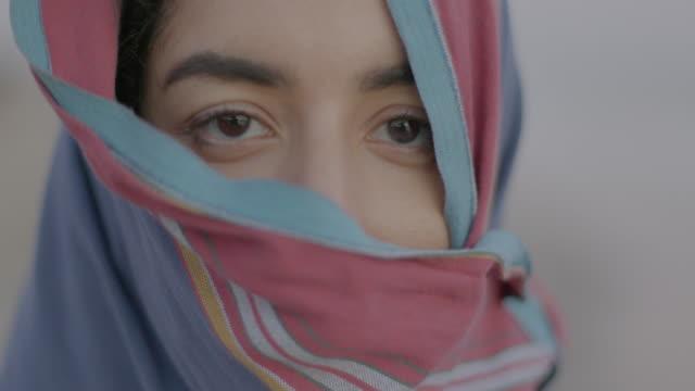 vídeos de stock e filmes b-roll de portraits of muslim men and women - oriente médio