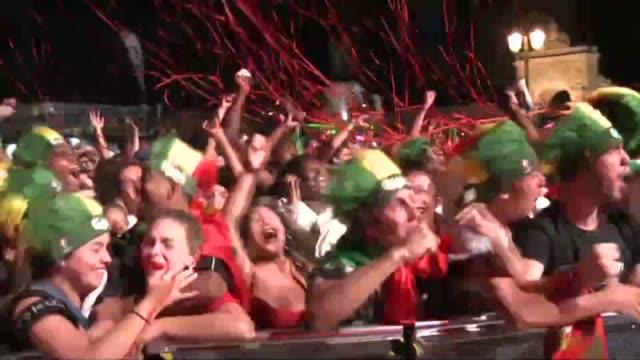 portugal gano la eurocopa por primera vez en su historia al vencer a francia con un gol en la prolongacion a pesar de jugar la mayor parte del... - euro 2016 stock videos and b-roll footage