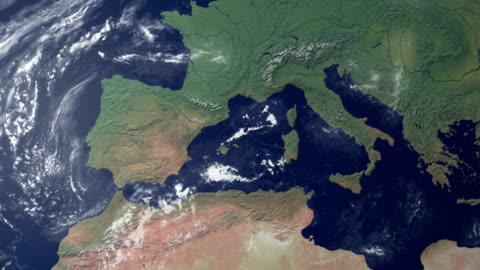vídeos y material grabado en eventos de stock de portugal aparece después de earth zoom (con alpha matte) - europa continente
