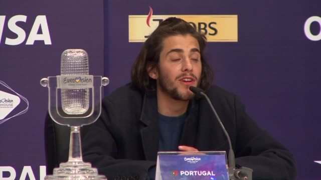 vídeos de stock e filmes b-roll de portugal wins the eurovision song contest for the first time ever with a melancholy ballad performed by a salvador sobral who suffers from a serious... - ucrânia
