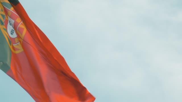 vídeos y material grabado en eventos de stock de bandera portuguesa - portugal
