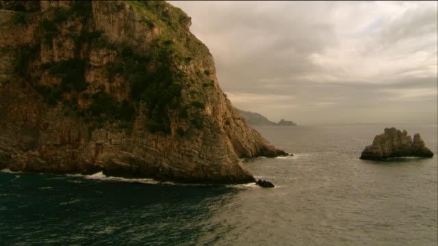 Positano coastline / houses on cliffs / Italy