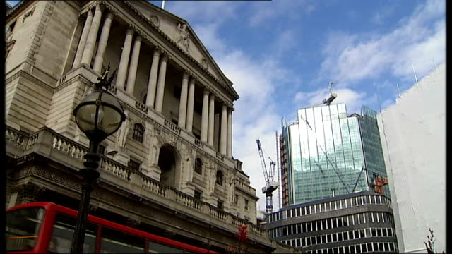 possible government plan to protect bank and building society savings; london: ext exterior of bank of england plaque on wall 'hm treasury' closer... - 新古典派点の映像素材/bロール