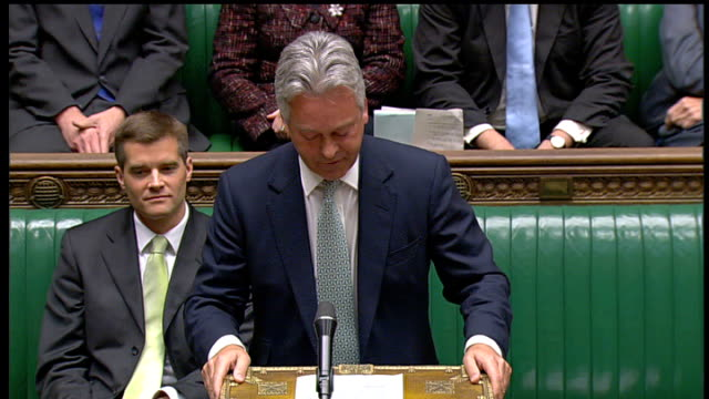 post office benefits payment contract extended westminster house of commons int alan duncan mp speaking at dispatch box sot - 庶民院点の映像素材/bロール