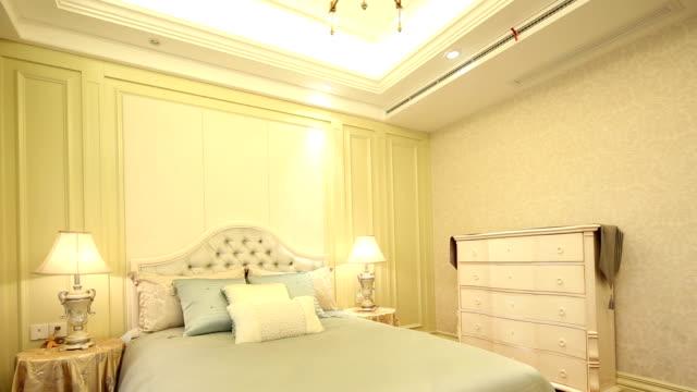 Postmoderne chambre de luxe et décoration, en temps réel.
