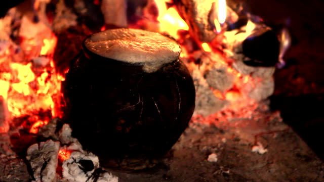 pot in the oven - hearth oven stock videos & royalty-free footage
