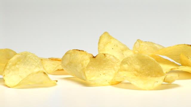 potato chips - 塩味スナック点の映像素材/bロール