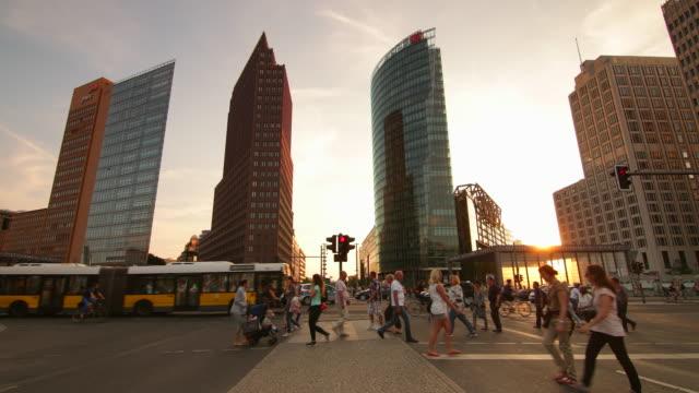 potsdamer platz berlin sunset skyline with citylife - städtischer platz stock-videos und b-roll-filmmaterial
