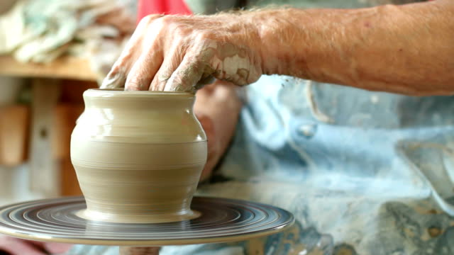 potter し、瓶入り - 陶器点の映像素材/bロール