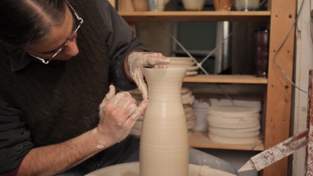 cu potter making vase / frenchtown, new jersey, usa - potter stock videos & royalty-free footage