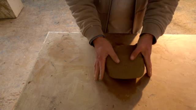 keramik und künstler - keramiker stock-videos und b-roll-filmmaterial