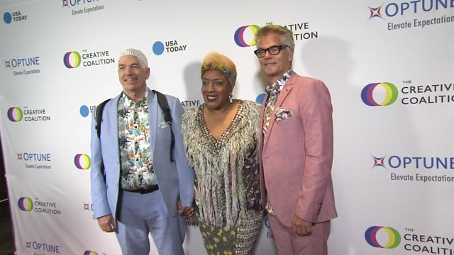 CCH Pounder and Harry Hamlin at the The Creative Coalition's 2019 #RightToBearArts Gala in Washington DC at on May 09 2019 in Washington DC