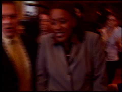 vídeos de stock, filmes e b-roll de pounder at the 'star wars: episode iii - revenge of the sith' premiere on may 12, 2005. - série de filmes star wars
