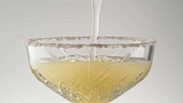 pouring a margarita close up - alcohol drink stock videos & royalty-free footage