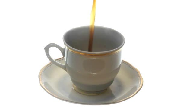 新鮮なコーヒーを注ぐ - カフェイン分子点の映像素材/bロール