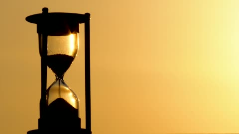 pouring hourglass - clock face stock videos & royalty-free footage