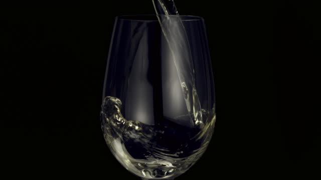 vídeos y material grabado en eventos de stock de pouring white wine - echar