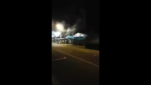 power lines in nelson, new zealand, surged and sparked on monday, november 14, as the south island was hit by a series of earthquakes in which... - https stock-videos und b-roll-filmmaterial