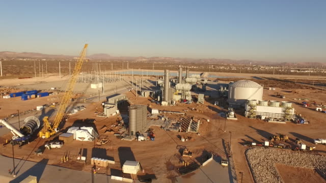 power plant rise, drone 4k industry aerial video, power plant coal, natural gas, wind farm, renewable energy, smokestack, - braun stock-videos und b-roll-filmmaterial